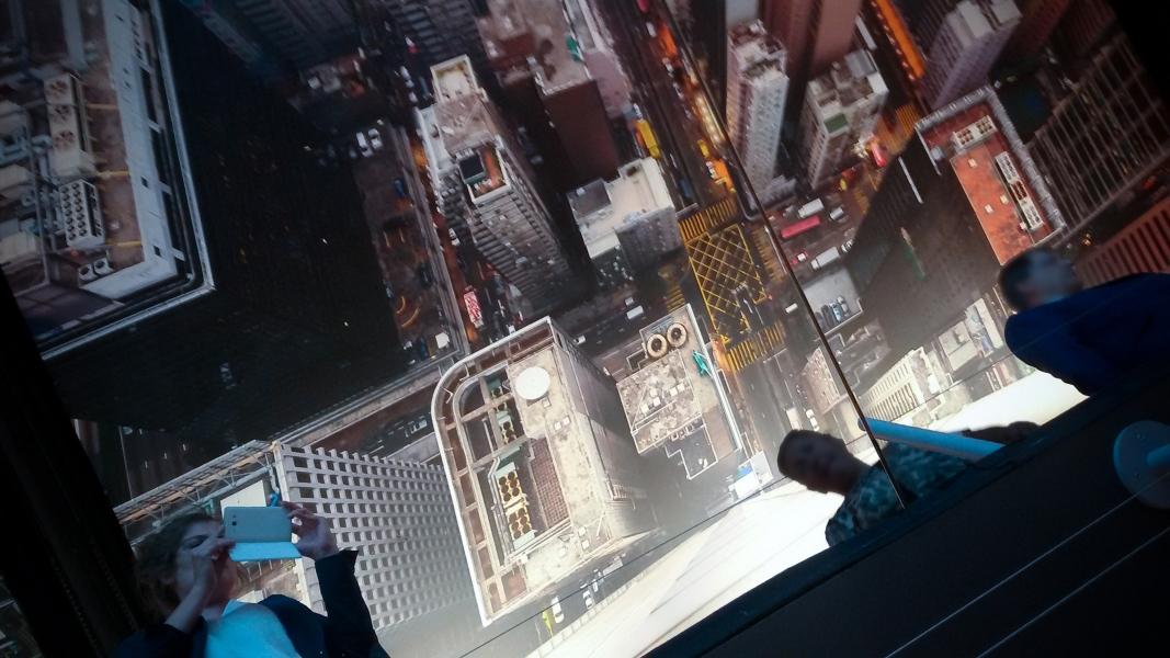 "Expérience ""rooftoping"" (photographie Tom Ryaboi)"